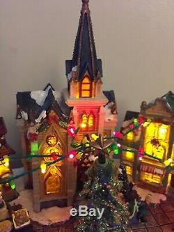 Animated Christmas Village LED Street Scene Revolving Tree Color Changing NIB