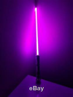 Led FX Lightsaber Light Saber Sword STAR WARS CHANGE COLOR WHILE DUELING Toy