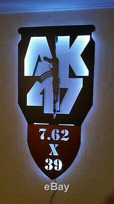 Ak47 Fusil Led Clignotant Assaut Signe Lumière Nuit Mouvement De Changement De Couleur Détection