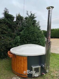 De Luxe Fibreglass Hot Tub Led Prep Au Feu De Bois. Rrp £ 3599! Nouveau