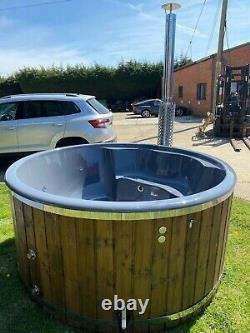 Deluxe Fibreglass Hot Tub Bubles + Led Wood Fired. Prix De Vente 3999 £! Ex-affichage/promo