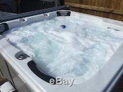 Hot Tub Entièrement Testé Prêt À Utiliser Éclairage Del À 6 Couleurs Changeantes