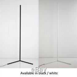 Led D'angle Lampadaire Hue Couleurs Rvb Blanc Corps Minimaliste Avec Télécommande