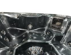 Nouveaux Palm Spas Venezia Luxury Hot Tub Spa 6 Seat Canadian Gecko Music Led Lights